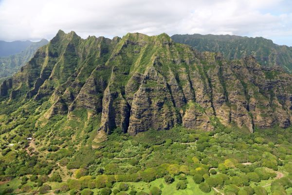 Koʻolau mountains