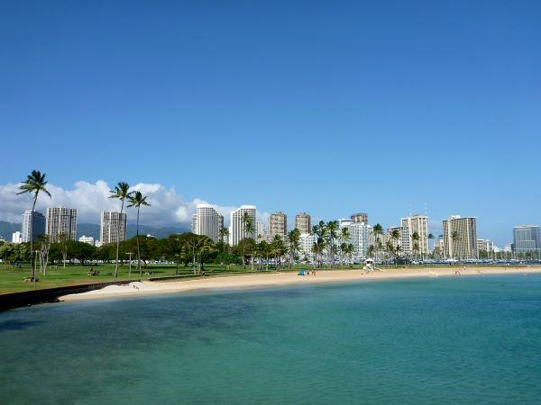 ala moana beach park shoreline
