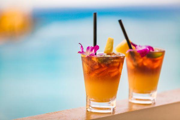 mai tai cocktails