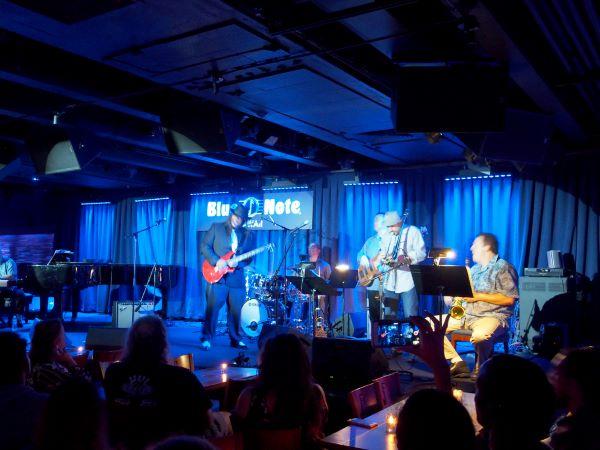 Blue Note Waikiki stage