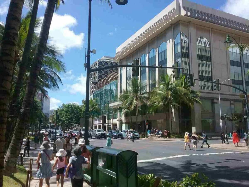 Kalakaua and Seaside Avenue in Waikiki